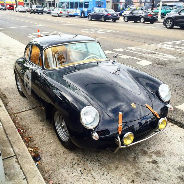 "mallelondon: "" There's something really elegant about the subtle mix of leather and metal. Porsche spotted in Venice, California. #porsche #classiccar #classicporsche #mallelondon #venicecalifornia (at Venice, California) """