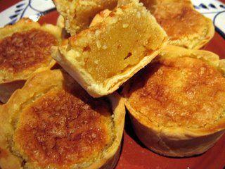 Pasteis de nata e queijadas são a minha perdição...! No outro dia, tentei realizar queijadas de Sintra em casa e saíram muito bem. Os meus...