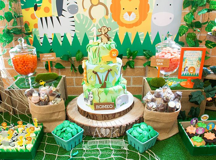 http://aandklollybuffet.com.au/jungle-safari-first-birthday-dessert-table/