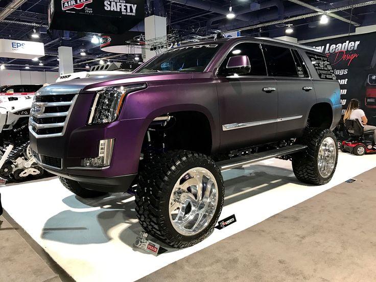 This lifted Cadillac Escalade wow SEMA2016 SEMAShow  Cars  Lifted trucks Chevy