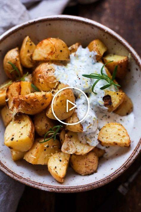 #schnellundeinfach #kochkarussellcom #joghurtfetadip #ofenkartoffeln
