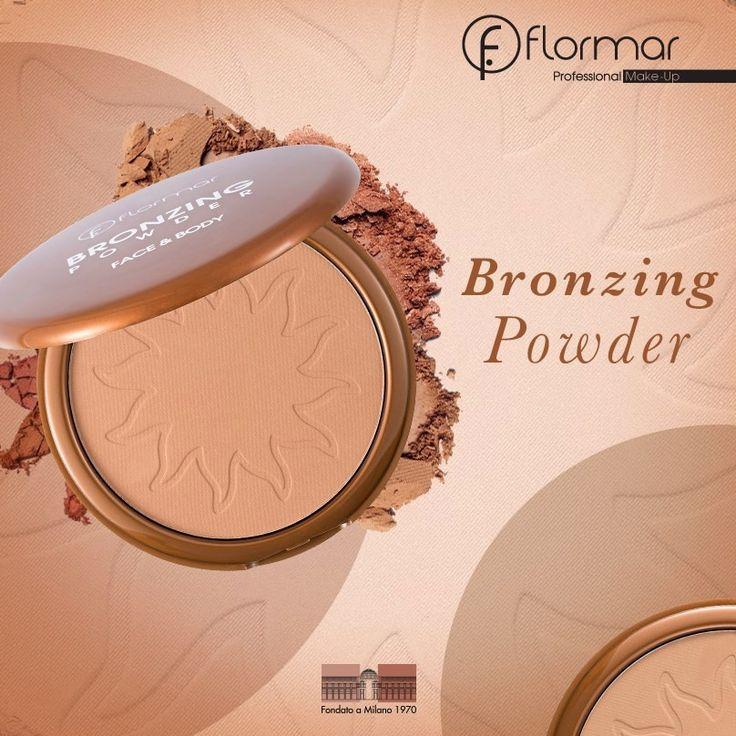 Nuestro Bronzing Powder: Para un look de bronceado natural aplica con una brocha; si quieres una cobertura completa entonces aplica con una mota de maquillaje y ¡voilà!