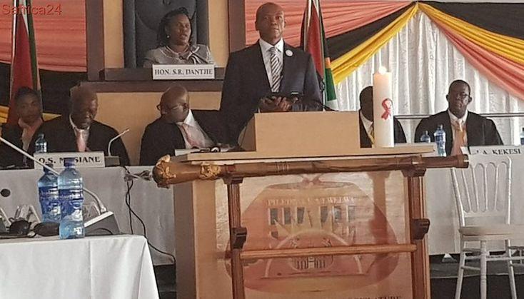 Mahumapelo delivers #NWSOPA2018 under tight security in Marikana