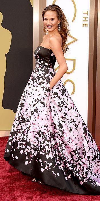Chrissy Teigen in Monique Lhuillier at The Academy Awards 2014