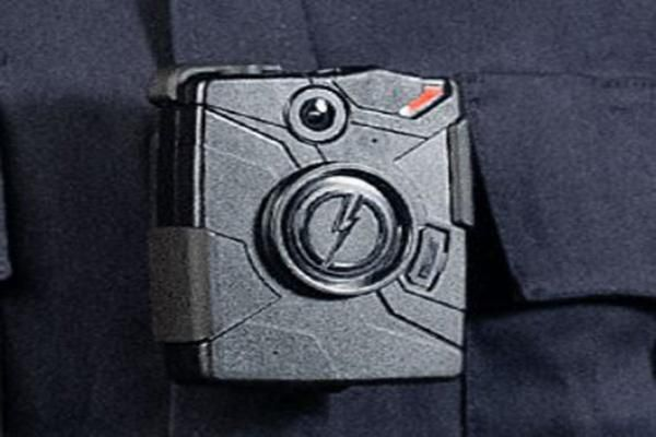 Taser Shares Fall as LA Police Reexamine Contract to Buy Company's Wearable Cameras  Reddit     Email     Print     Reprint            Shares of Taser International  (TASR – Get Report )  slid 5% in Monday's trading amid reports that the Los Angeles Police Department's plans to equip all its officers with the company's wearable camera product may be delayed until fall of 2017.   The AP reported over the weekend that Los Angeles officials have expressed reservations about the cost of ..