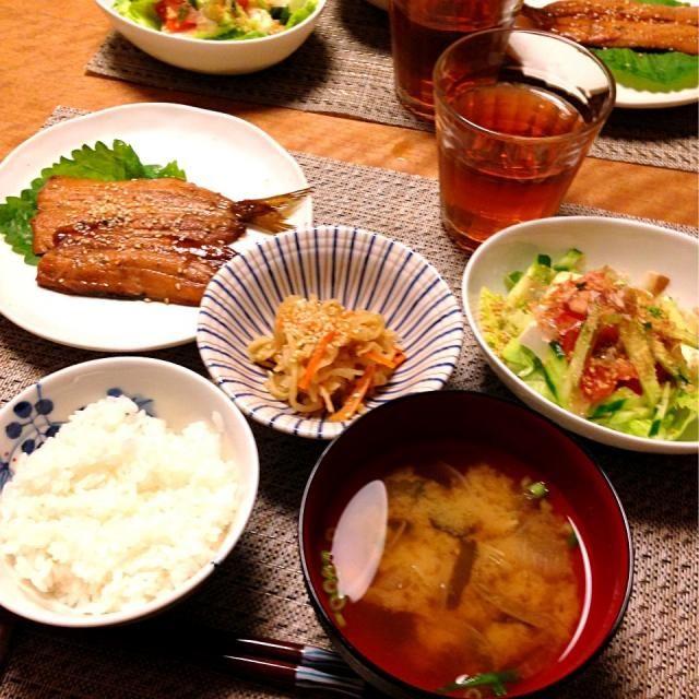 献立: いわしの蒲焼き味、豆腐サラダ、切り干し大根煮、玉ねぎとえのきとわかめの味噌汁、ごはん - 10件のもぐもぐ - いわしの蒲焼き味 by Sakiko