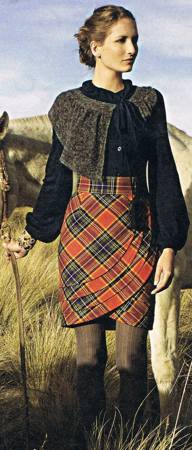 love this draped plaid skirt - gonna make one!  http://media-cache-ec0.pinimg.com/originals/3d/ce/75/3dce757e0a35b52d95c9d64f4cd479b7.jpg