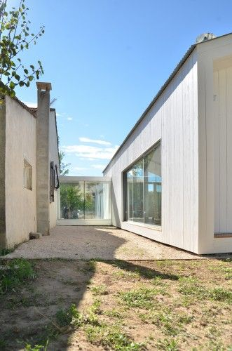 Old and New - La Grange de Mon Père / MJ Architectes | ArchDaily