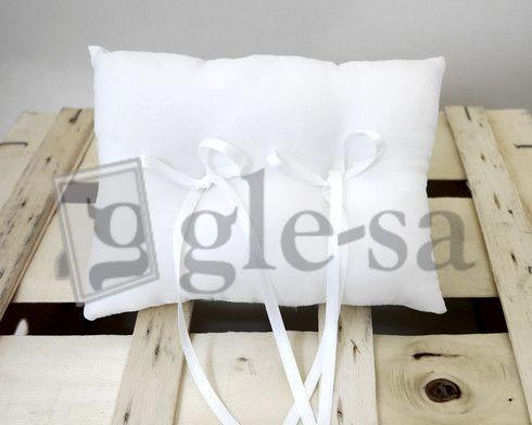 art 17562 cuscino fedi in seta cm.15X20 avorio e bianco con due fiocchi - Realizzato a mano http://www.glesa.it/vetrine/cuscini-fedi
