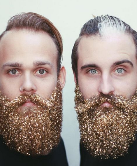 Men are covering their beards in glitter and it's both festive and hilarious.