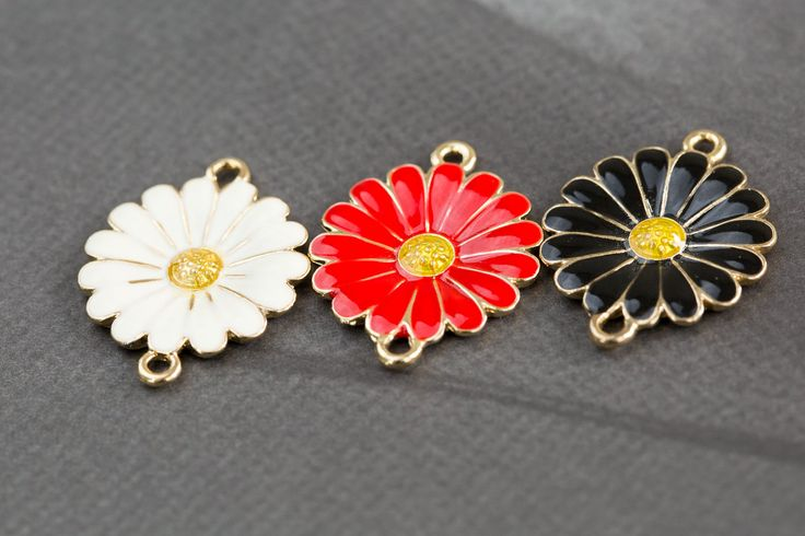 2 ring yello stamen daisy pendant , DIY pendant,Brass charm, Beading supplies, handmade pendant, jewelry gift, handmade item, Unique by omnisupply on Etsy