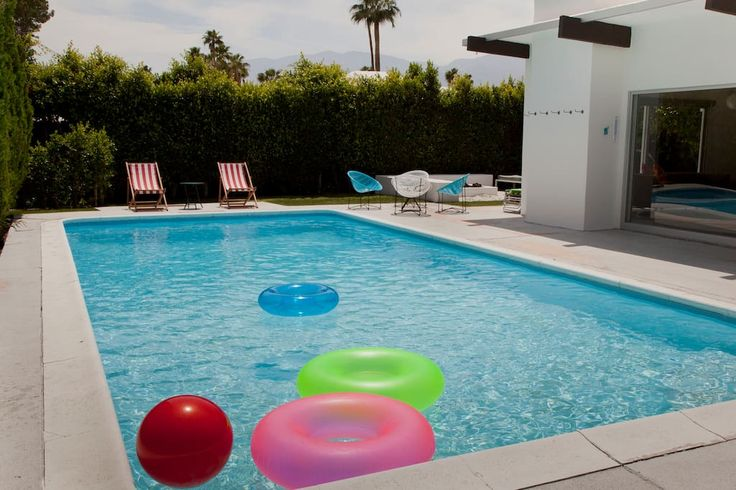 Entire home/apt in Palm Springs, US. Stunning Mid-Century Alexander home located in central Palm Springs. Only 1.5 miles to casino, downtown area, restaurants, shopping, spa, golf courses and more! The City of Palm Springs ID #2013. Palm Springs TOT Permit #4888.