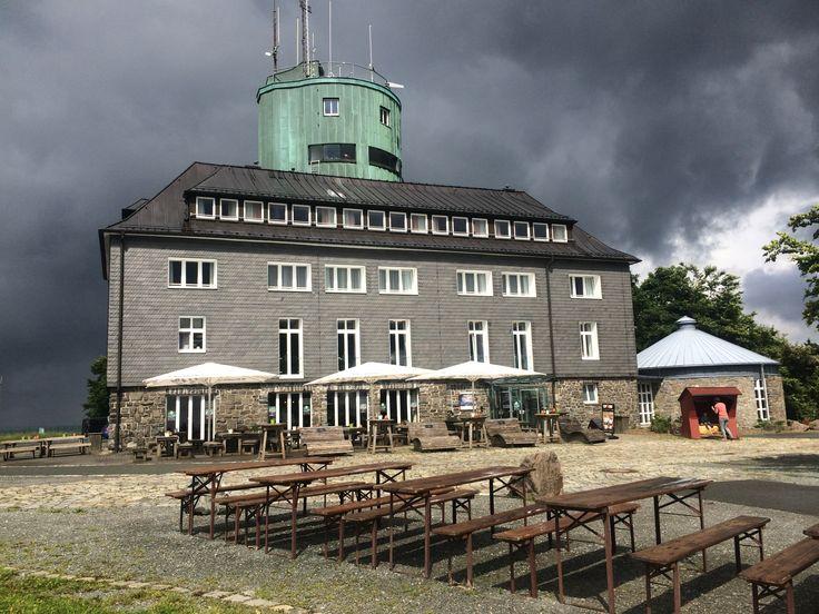 Genieten van de Rothaarsteig en andere wandelpaden - Weerstation in Astenturm op de Kahler Asten