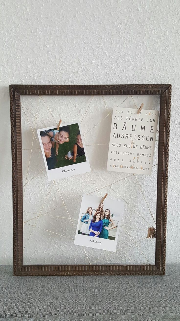 Turn an old frame into a beautiful photo frame. #diy #upcycling #photo #photography #idea #doityourself #decoration