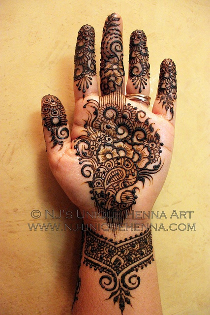2012 © NJ's Unique Henna Art | Flickr - Photo Sharing! Bridal henna mehndi. NJ's Unique Henna Art © All rights reserved. Henna by Nadra Jiffry. Based in Toronto, Canada. Specializing in Bridal henna and henna crafts. This is my work and my photos only.  www.nj-uniquehenna.com