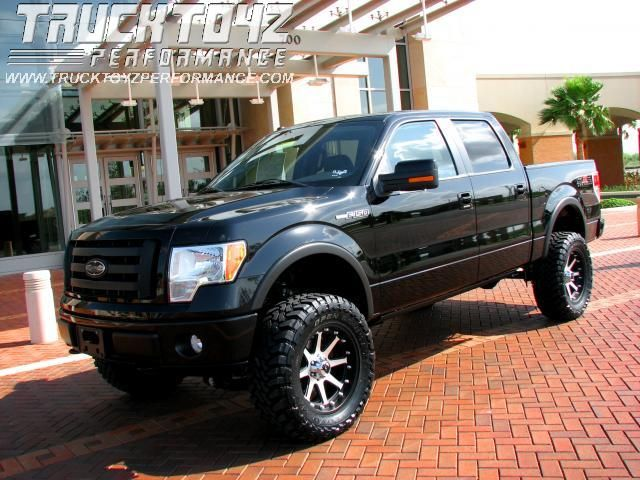 2009 Ford F-150 XLT SuperCrew Flareside 4WD.... I want! In the snow!
