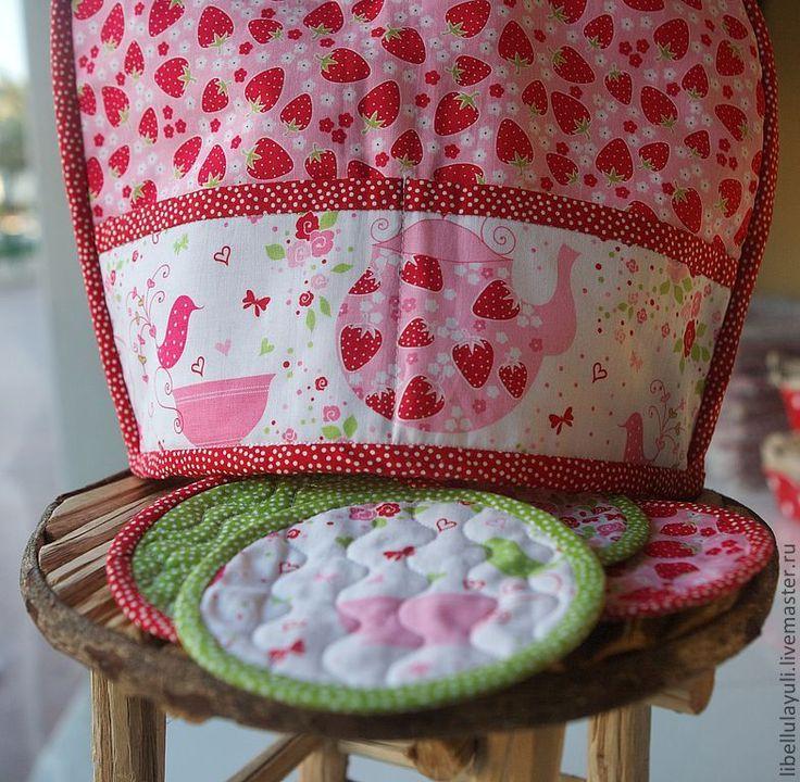 Купить Земляничный набор для чаепития - зеленый, грелка на чайник, столовый текстиль, текстиль для кухни