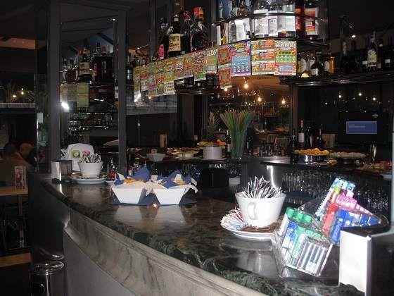 Bar tavola calda e fredda in centro