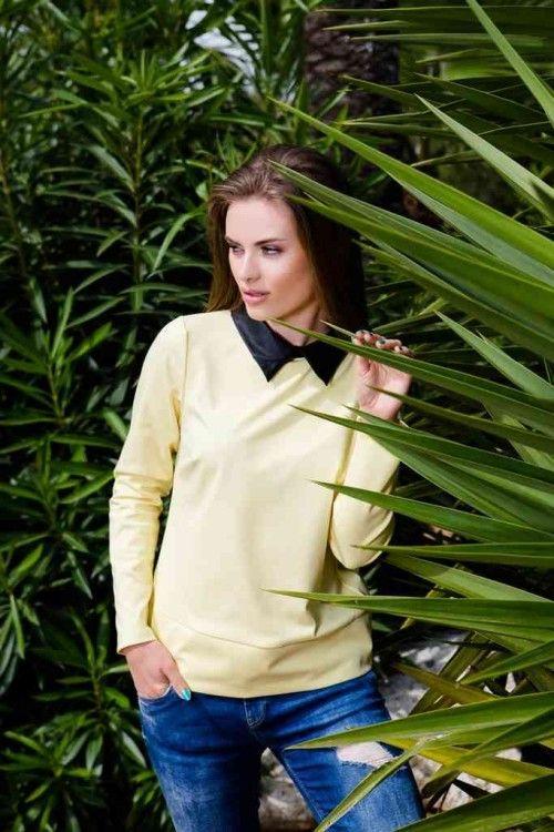 Bluza cu guler de camasa din imitatie de piele: Croiul lejer și design-ul elegant o transformă într-un articol ideal pentru o zi lungă la birou, iar gulerul clasic o face deosebită.