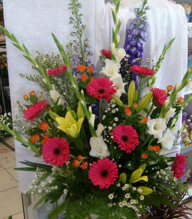 Go For Oversized Florals: Best 25+ Large Floral Arrangements Ideas On Pinterest