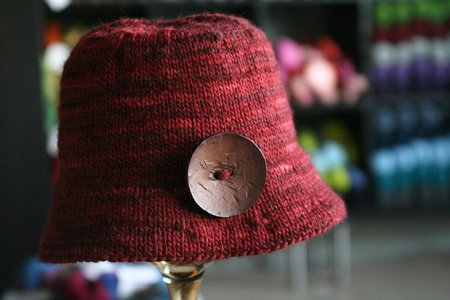 Knitted Bucket Hat Pattern : 1000+ images about tricot on Pinterest Bucket hat, Free pattern and Knittin...