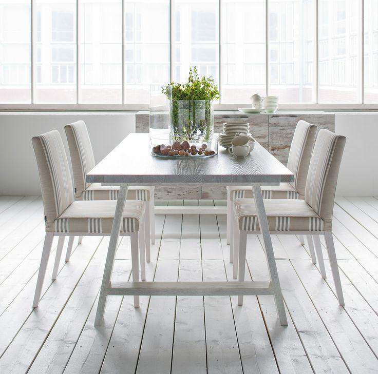 Isku – Saaristo-ruokapöytää saatavilla valkoiseksi tai mustaksi petsattuna. Kokovaihtoehdot: 95x160cm tai 95x200cm. Kotimainen Ella-tuoli. #habitare2014 #design #sisustus #messut #helsinki #messukeskus