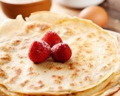 Ingrédients pour La meilleure pâte à crêpes du monde 250 g de farine 1/2 l de lait 3 oeufs 1 c. à soupe d'huile 1 pincée de sel 1 ou 2 c. à soupe d'eau