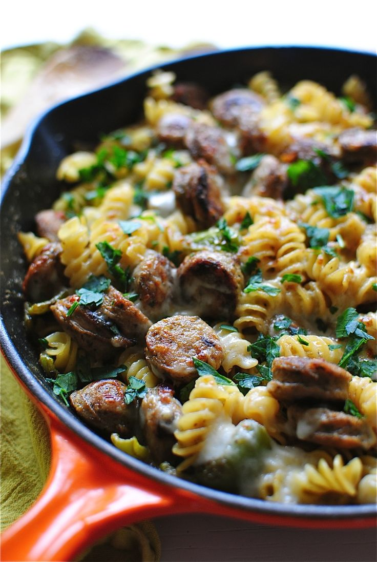 Skillet Pasta with Chicken Sausages and a Creamy Roasted Green Pepper Sauce | Bev Cooks
