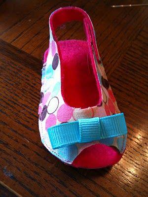 Sandalhinha tecido - Felt Baby Booties