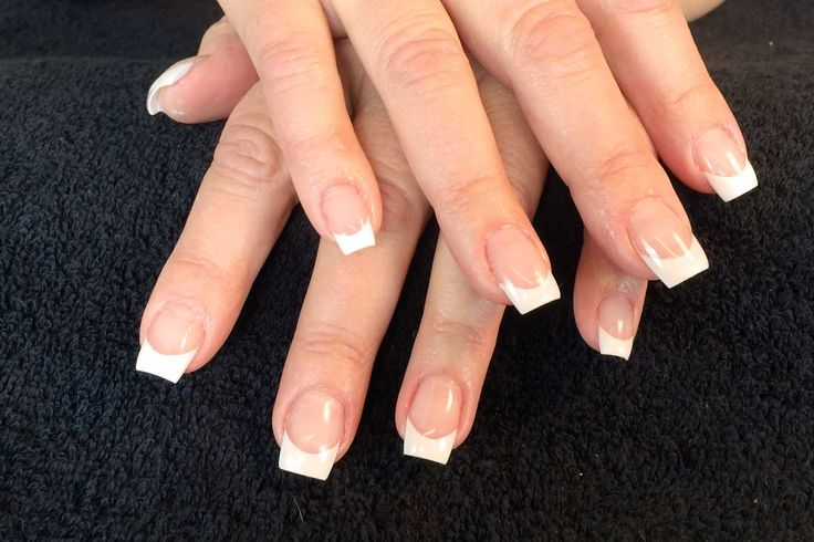 Nagelförlängning med fransk manikyr #nagelförlängning #akrylförlängning #franskmanikyr