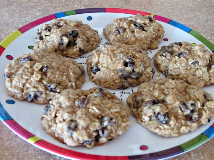 Thick & Chewy Oatmeal Raisin Cookies- The best cookies I have ever had ...