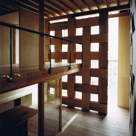 wood block houseDesigncool Architecturesplac, Architecture Art, House Interiors, Wood Blocks, Wooden Blocks, Block House, Room Dividers, Tadashi Yoshimura, Yoshimura Architects