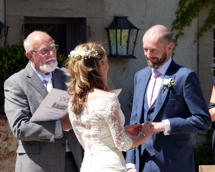 A lovely sunny ceremony at Chateau de Labro near Rodez in the Aveyron department of France.