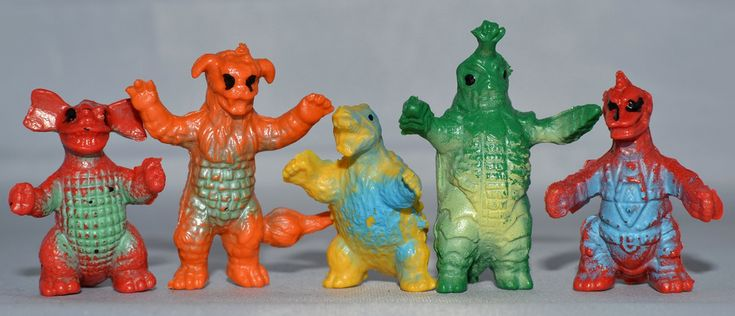 Little Weirdos: Mini figures and other monster toys: Japanese monster vending machine bootlegs