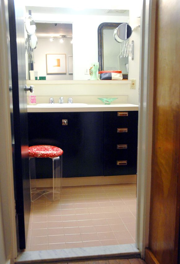 Pin by michelle acevedo viera on diy pinterest - Painting laminate bathroom cabinets ...