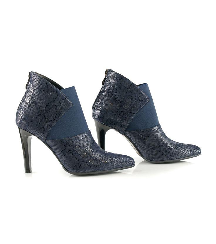 FashionSupreme - Ghete în albastru-închis cu imitație de piele de șarpe Caren - Încălţăminte - Ghete - Bosccolo - standard ridicat pentru Ea. Haine şi accesorii de marcă. Haine de designer.