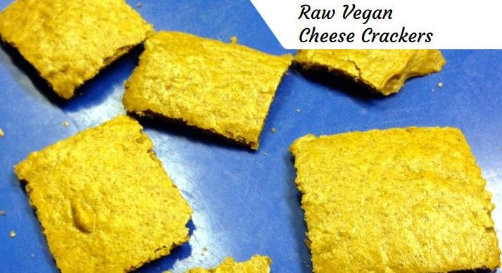 """Looking for a """"Cheez-Its"""" substitute? Try this vegan cheese crackers recipe!"""