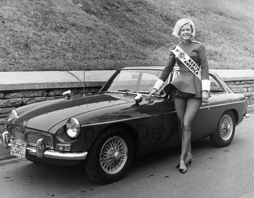 Poster For Mgb Gt Classic Ads Mg Pinterest Poster