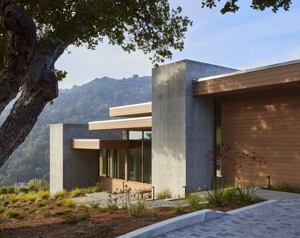 Photo 2 Of 13 In A Californian Home Gently Steps Down On An Oaks House Architecture Details House