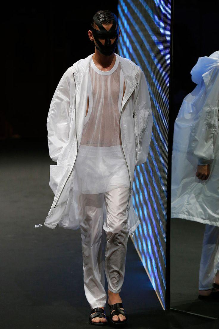 Jean//phillip Spring/Summer 2015 #plastic #highfashion #mode