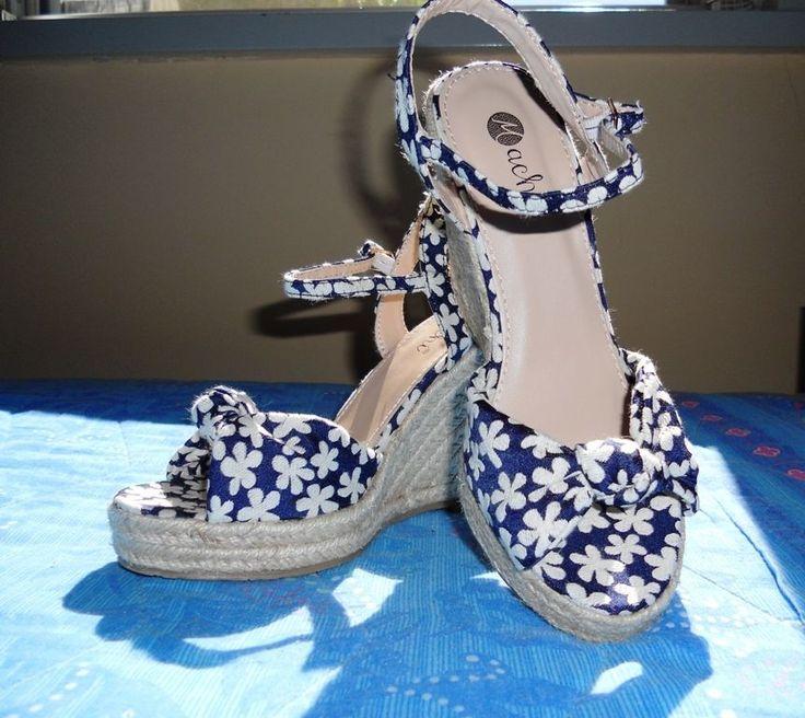 #Scarpe con zeppa, blu a fiorellini bianchi, numero 37 #shoes #wedges