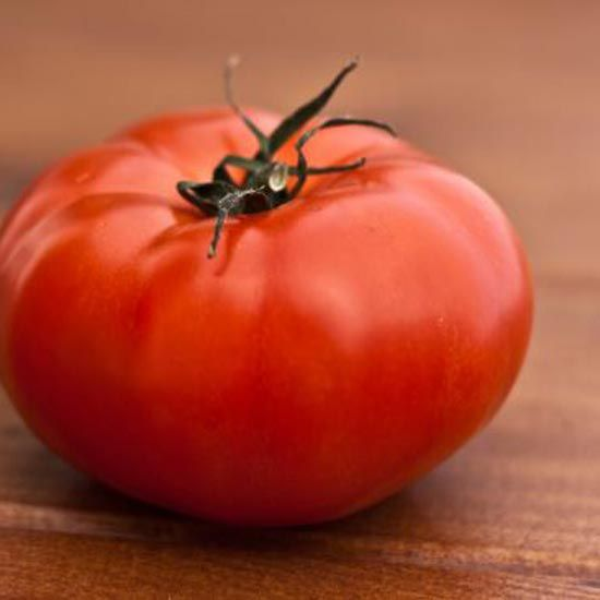 Tomatoes are healthy and relatively easy to grow. But how can you grow even better tomatoes