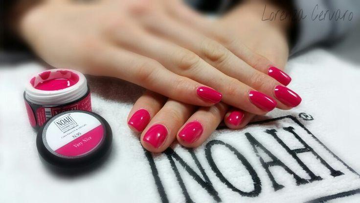 copertura unghie naturali con #gelcolorato ideale sia per monocolore che per nail art con gel. Scopri tutti i colori cliccando su http://www.noahcosmetics.com/212-gel-colorati