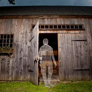 wish it was easy to bend chicken wire diy build a wire ghost outdoor halloween decorations chicken wire and glow in the dark paint