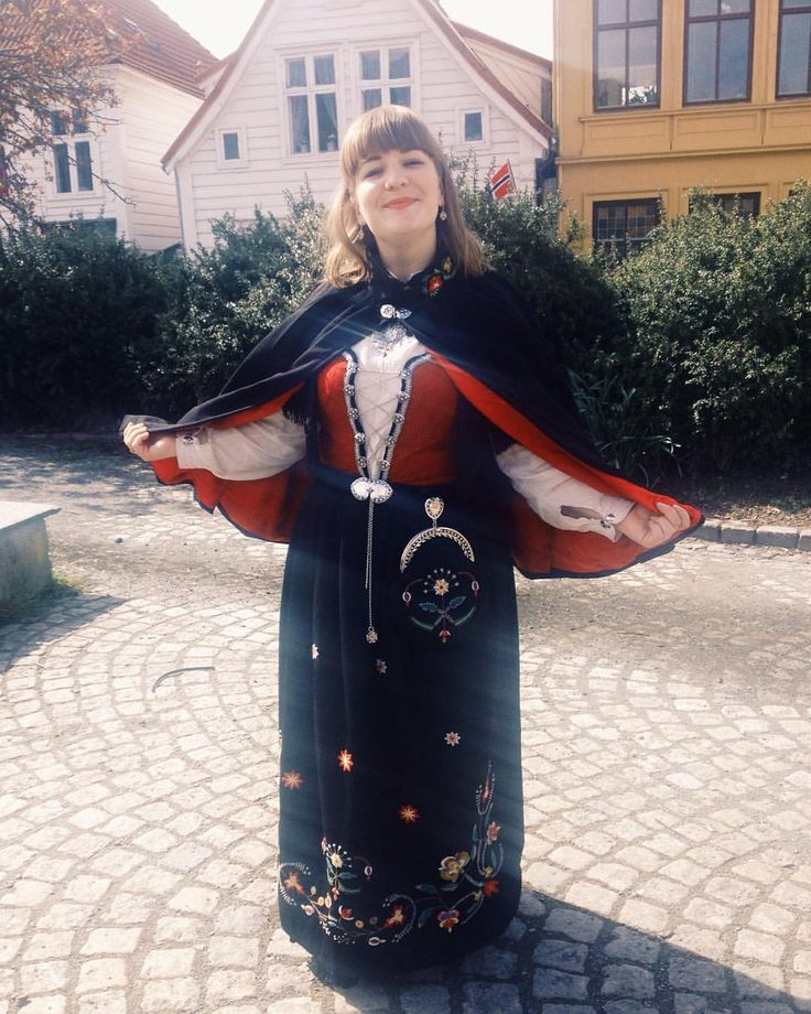 Hipp hurra! finally day 17 of #mmmay16 an I can show off my favourite me made. Every inch of this costume has my blood sweat and tears in it (excluding the silver of course). The cape was finished in the wee hours of this morning... #memademay #sewcialists #17mai #hipphurra #isew #sewheijude #rogalandsbunad
