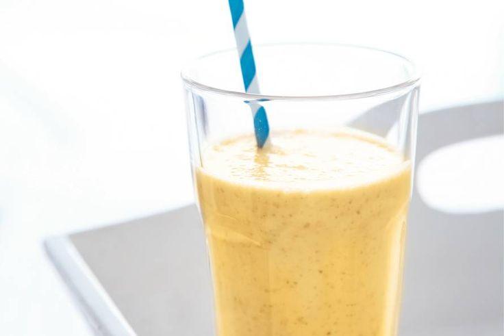 Kijk wat een lekker recept ik heb gevonden op Allerhande! Banaan-mango-dadelsmoothie