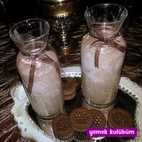 kolay pratikKakao Bisküvili Dondurmalı Mılkshake tarifi yapılışı nasıl yapılır, farklı değişik milkshake içecek kokteyl meyve suyu tarifleri