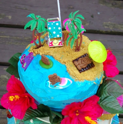 Within the Kitchen: Beach cake - Hawaiian Themed Kids Party