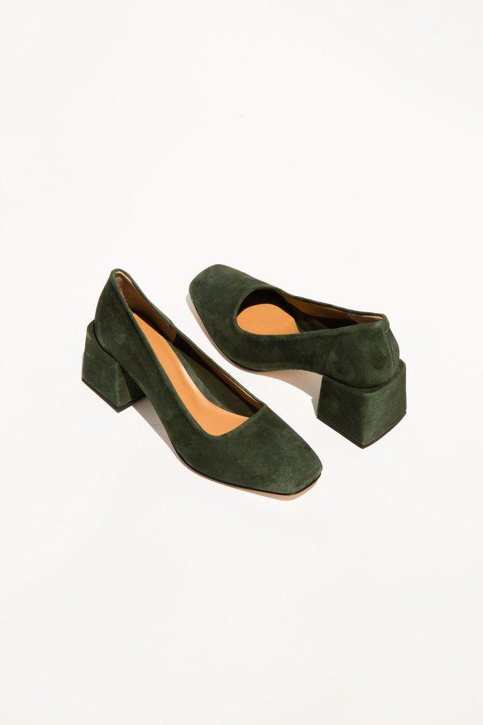 Villa love this deep, dark, rich, moss green suede chunky blocked mid-heel.