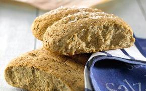 Brød med krydderurter - Opskrifter - Arla